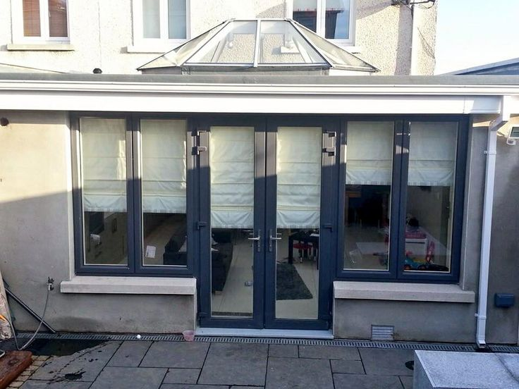 An extension we did on a 3 bed semi detached house. A large family room was built to create more living space a family of 4. This is the outside finished product. Astoria Builders did everything from the build to the interior & exterior the design.