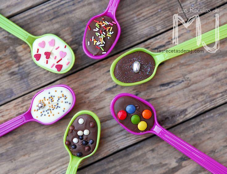 Cucharitas de chocolate con sprinkles / Chocolate spoon with sprinkles