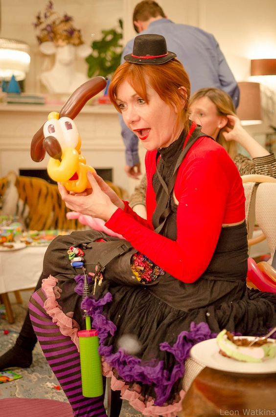 Balloon twister for kids parties. Pro balloon modeller bringing big smiles to your celebration. Available now in Toronto