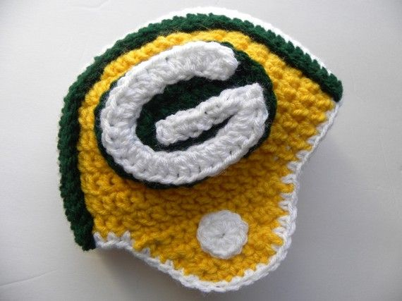 packers helmet crochet pattern @Maria Hintzke