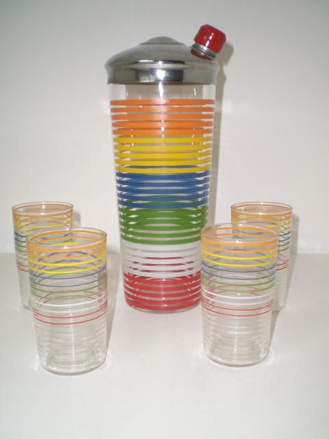 how to use a cocktail shaker set