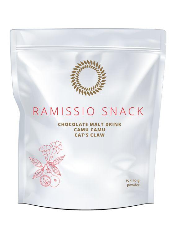"""Ramissio Snack Ramissio Snack je lahodný sladový nápoj s čokoládovou příchutí, který v sobě spojuje vůni exotických rostlin z deštných pralesů Amazonie - ovoce camu camu a dřevnaté liány zvané """"kočičí dráp""""."""