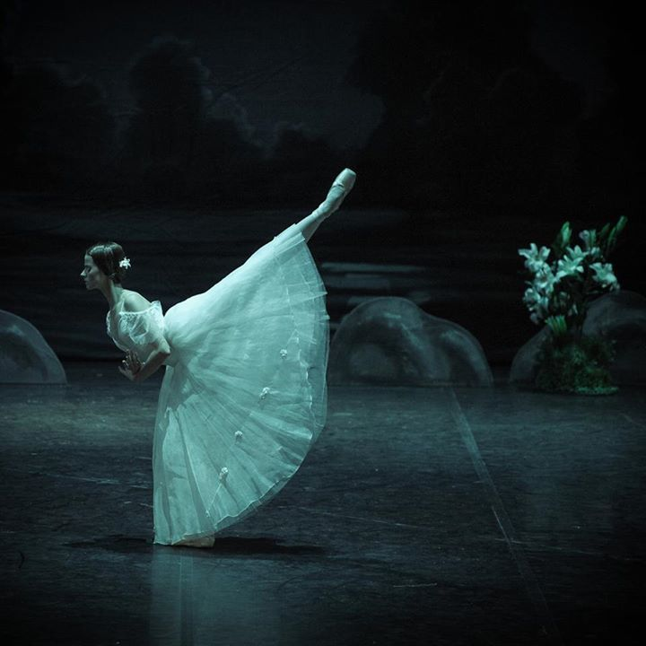 Giselle Photos: M. Olich