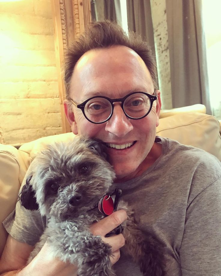 "1,088 mentions J'aime, 25 commentaires - Carrie Preston (@carriepreston) sur Instagram : ""Chumley says #happyfathersday #MichaelEmerson"""