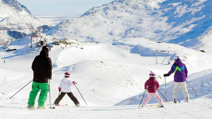 Book your ski holiday to Hemsedal with Crystal Ski. Ski on perfectly groomed pistes in a ski area that offers something for everyone.