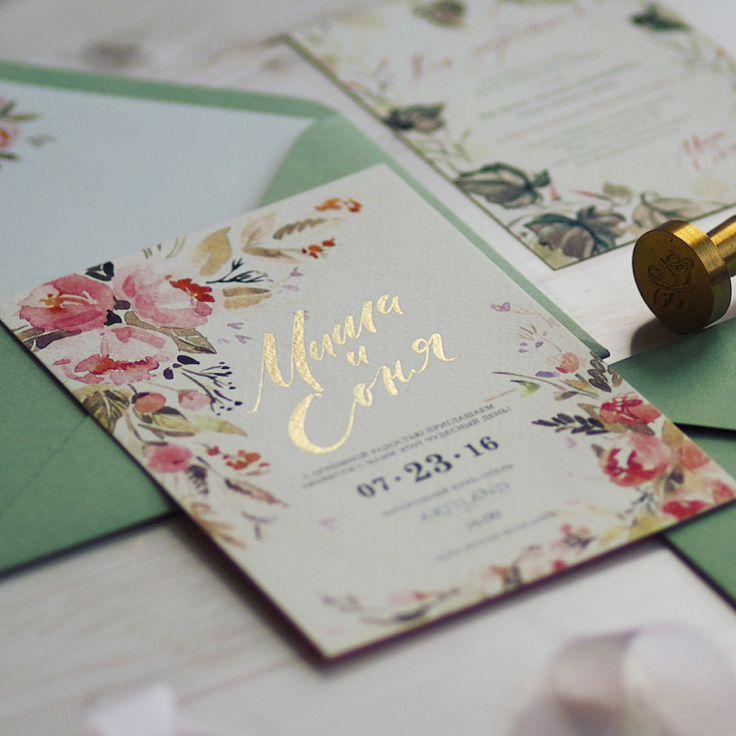 Солнечные пригласительные для нежного и светлого праздника Михаила и Сони.   Мы влюблены в этот травяной конверт, в потрясающее сочетание бумаги, фактуры, дизайна, печати.   Тот самый случай, когда всё идеально сошлось.   Спасибо @_inkwing_ за заказ 🌿  Конверт с вклейкой | пригласительный с тиснением фольгой | золотая сургучная печать  #pmd_printlab ##weddingstationery #свадебнаяполиграфия #приглашениенасвадьбу #wedding #weddinginvitation #calligraphy #printmydream #flowers #invitation…