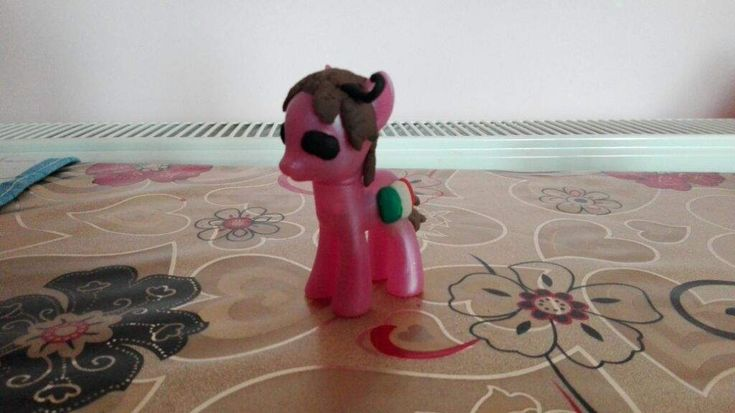 I decided to make another MLP Hetalia custom figure. This time, it's the pasta-loving North Italy ...