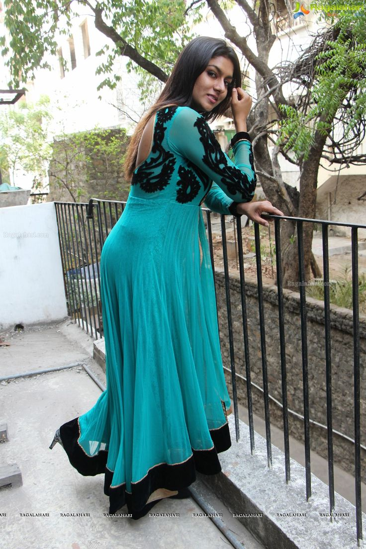 http://www.ragalahari.com/actress/68242/sai-akshatha-at-freedom-cup-season-ii-curtain-raiser/image59.aspx