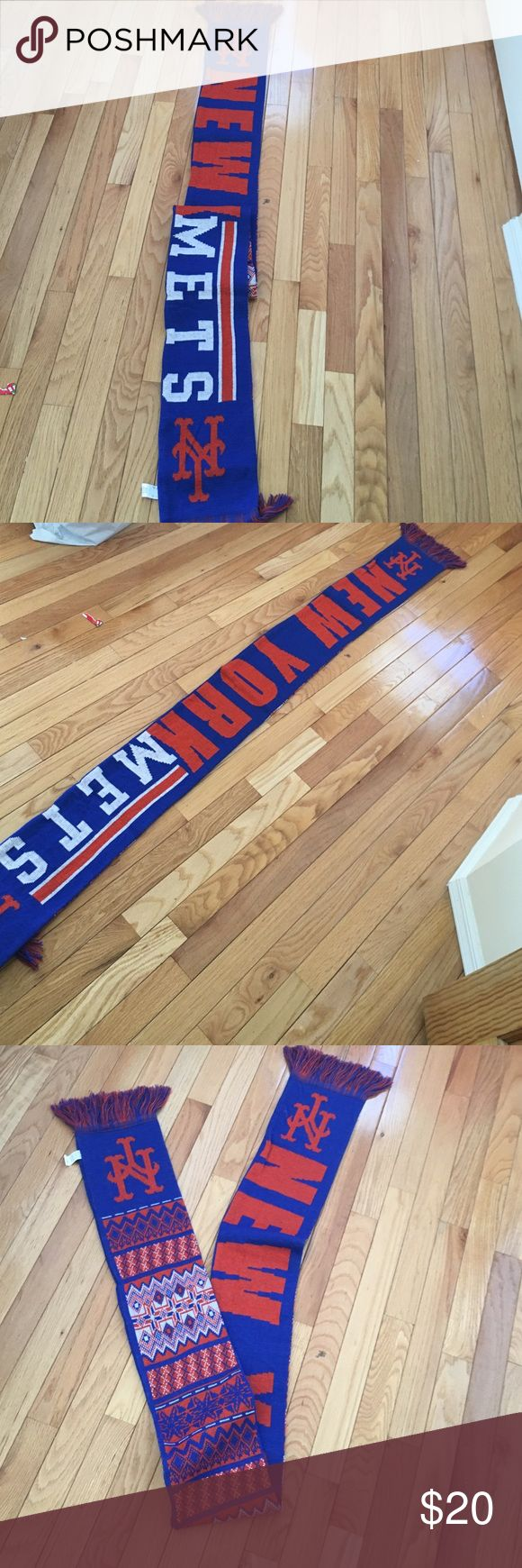 New York Mets scarf Brand new I cut the tags off my accident MLB Accessories Scarves & Wraps