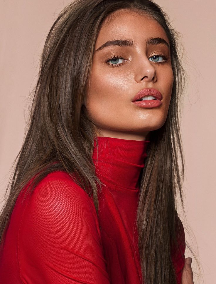 """midnight-charm: """" Taylor Hill photographed by Donna Trope for Sunday Times Style January 2017 Fashion Editor: Siobhan Lyons Hair: James Brown Makeup: Lisa Eldridge """""""