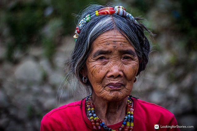 Whang Od: The Kalinga Tattoo maker by Looking for Stories. Whang Od is 92 years old and up to very recently she was the last Kalinga tattoo maker. According to specialists, this practice is about a thousand years old and was used as a skin natural language transmitted from generation to generation... more: http://lookingforstories.com/philippines/whang-od-the-kalinga-tattoo-maker/