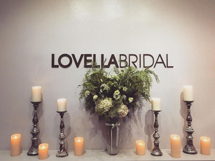 lovellabridal Thank you @eddiezaratsian @tictockflorals for our lovely flowers for tonight's event!! Xx  #lovellaturns45 #lovellabridal #lovellabride #losangeles #florals #florals #freshflowers {#snapchat  lovellabridal}