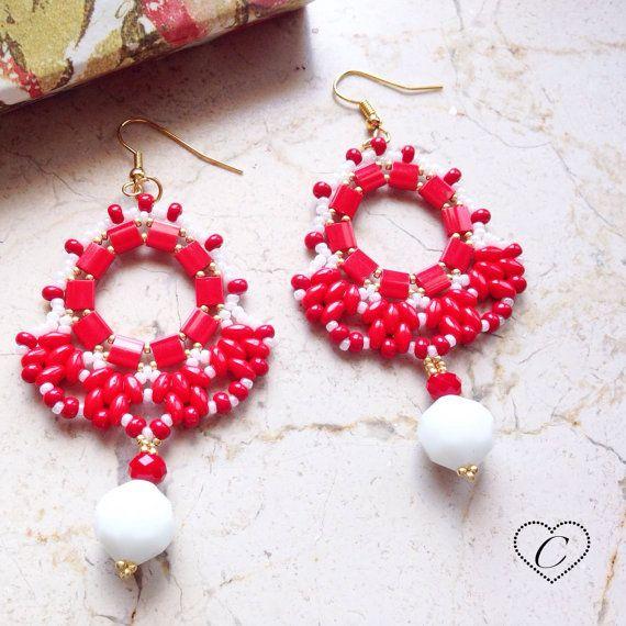 Orecchini Capri rosso/bianco di CheriFashionHandmade su Etsy #beaded #tila #suoerduo #earrings #cherihandmade