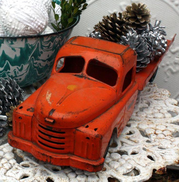 vintage truck Christmas display