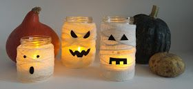 A Sunday morning with: Tutorial per realizzare dei barattoli luminosi fai da te a forma di mummia da utilizzare come centrotavola per la festa di Halloween.