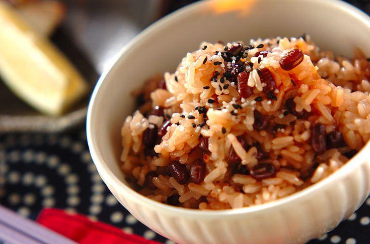 炊飯器で炊くお赤飯です!もちもちお赤飯/杉本 亜希子のレシピ。[和食/ご飯もの(寿司、ご飯、どんぶり)]2015.01.05公開のレシピです。