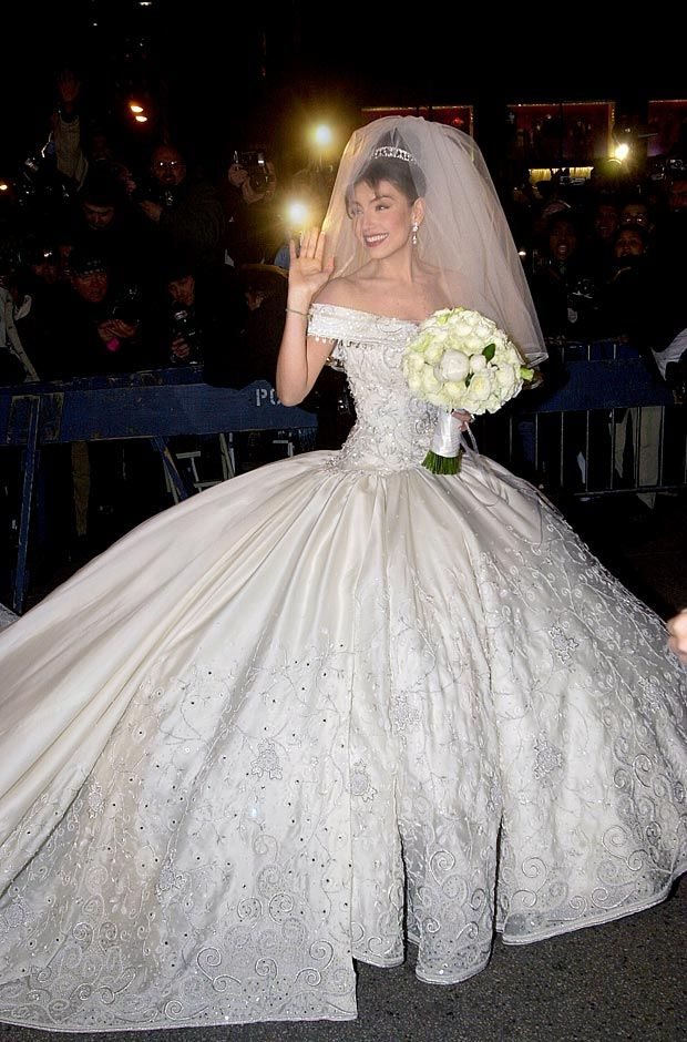 When latin music singer Thalía married Tommy Mottola in 2000, her wedding dress was $350,000! The gown was designed by Mexican designer, Mitzy.
