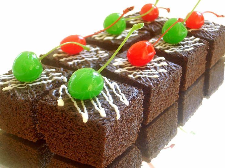 Resep membuat kue brownies kukus coklat yang lezat, enak, dan mudah yang bisa kalian praktekan di rumah.