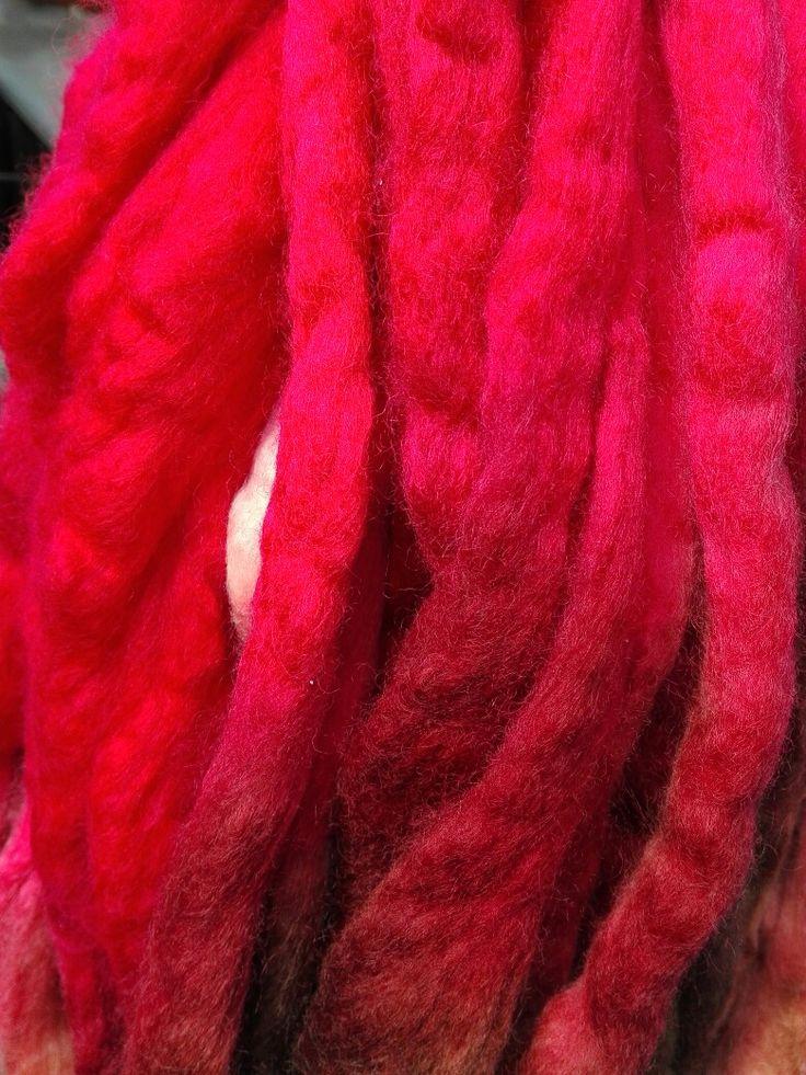Vellón teñido rojo