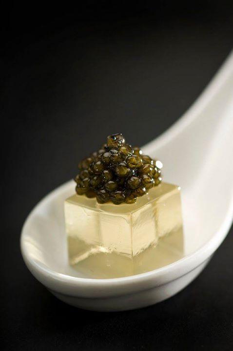 Gelée de champagne et caviar