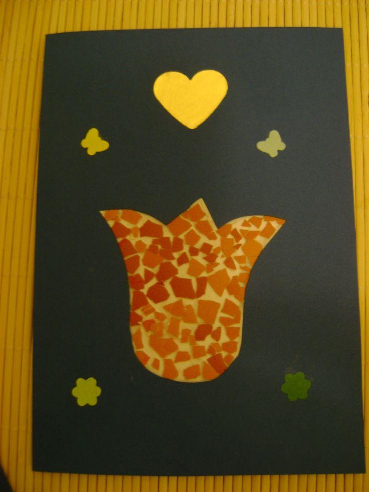 Húsvétra képeslap (sniccerrel kivágtam a tulipánt, majd tojáshéj darabokkal kiraktam)