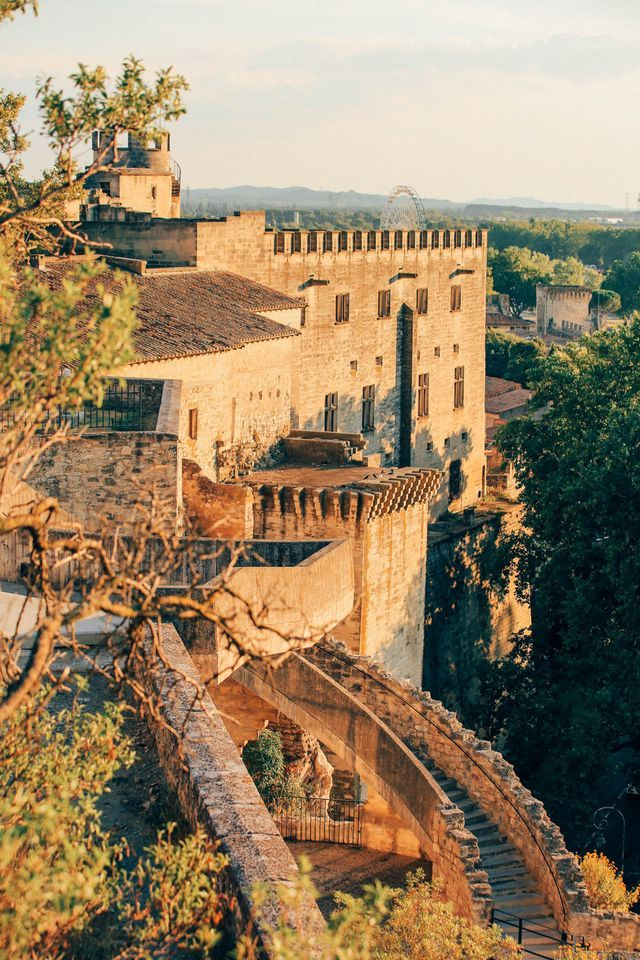 PROVENCE ON THE ROAD: Avignon, Arles & St.Remy