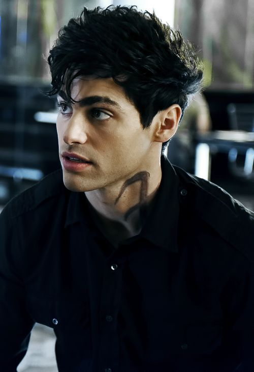 shadowhunters, alec lightwood, and matthew daddario kép