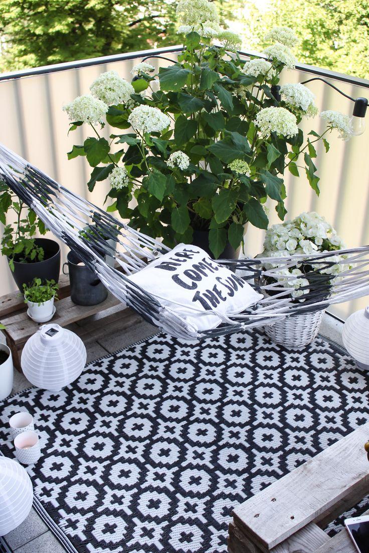 Giant bean bag chair lounger breakyourpiggybank - Eine H Bsche Lounge Ein Passendes Farbschema Die Richtigen Blumen Et Voil So