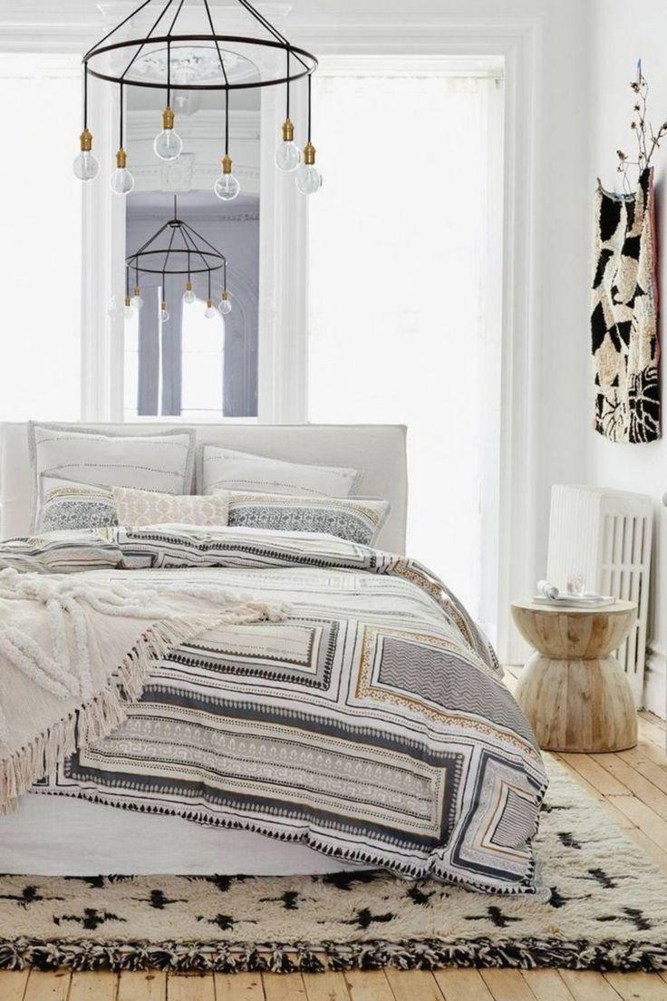 40+ Elegant Bohemian Rug Designs For Your Bedroom
