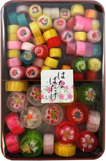 New Traditional 'Dagashi' Bento – Hard and Soft Candy $5.50 http://thingsfromjapan.net/new-traditional-dagashi-bento-hard-and-soft-candy-2/ #traditional Japanese candy #Japanese candy #Japanese snack