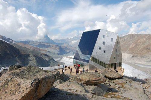 Capanna del Monte Rosa: un eco-rifugio autosufficiente grazie all'energia solare