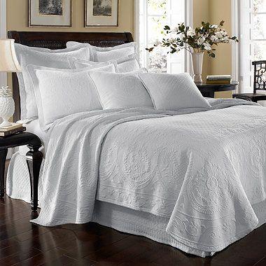 King Charles Matelasse Coverlet in White - BedBathandBeyond.com ****