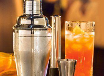 Aldi-Süd: Cocktail-Spezial mit Shaker, Gläsern und Zutaten https://www.discountfan.de/artikel/essen_und_trinken/aldi-sued-cocktail-spezial-mit-shaker-glaesern-und-zutaten.php Bei Aldi-Süd startet am kommenden Samstag, 16. Juli 2016, ein Cocktail-Spezial: Neben verschiedenen Zutaten sowie Fertig-Cocktails sind auch Shaker, Cocktail-Gläser und Eiswürfelbeutel im Angebot. Aldi-Süd: Cocktail-Spezial mit Shaker, Gläsern und Zutaten (Bild: Aldi-Sued.de) Das Cock... #Cockt