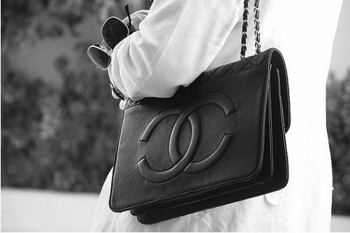 Black Vintage Chanel   #vintage #chanel