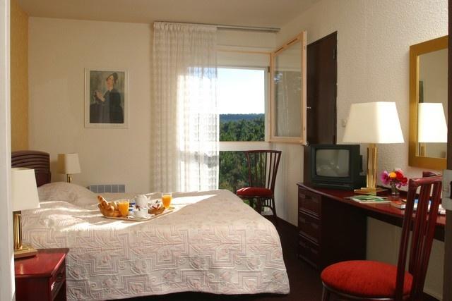 Hôtel La Forestière, à Biscarrosse Plage.  http://www.biscarrosse.com/Hotels,2