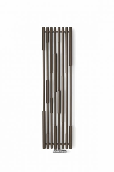 Cane - Odpowiedni układ elementów o 2 różnych średnicach stwarza wrażenie fragmentu sitowia zamkniętego w kadrującym, pełnym elegancji w swych proporcjach, prostokącie. Przyłącze umieszczono centralnie na dole. Występuje w wersji wodno-elektrycznej i wodnej. Możliwość podłączenia grzałki