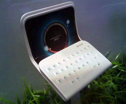 Kyoceras flexible, folding phone concept