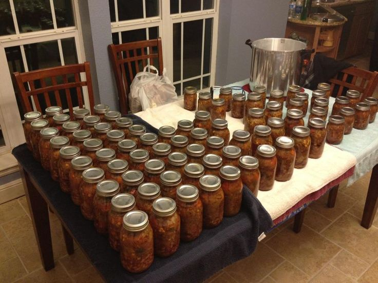 Because you can never have too many canning recipes. Canning Homemade! Lots of canning recipes and advice.