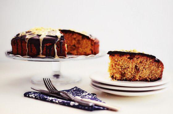 Κέικ+πορτοκαλιού+με+ταχίνι+και+σταφίδες