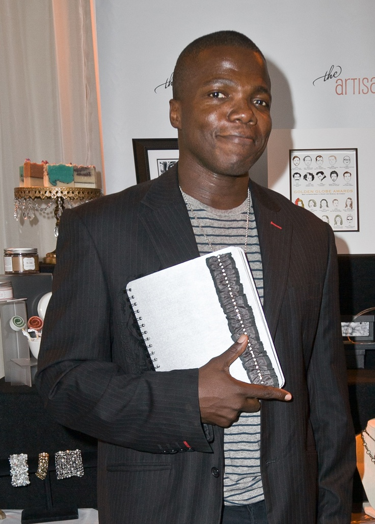 "Reno Wilson of ""Mike and Molly"" with Simply Paperie."