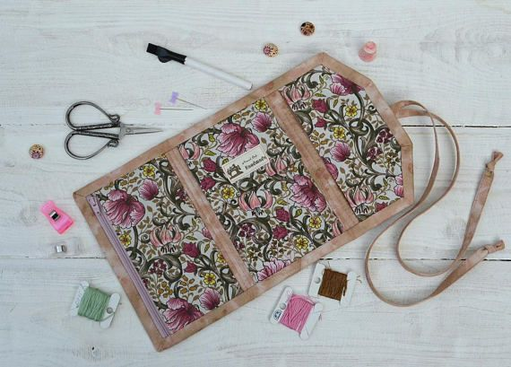 Sewing case Travel needle holder Craft supplies pouch Scissors