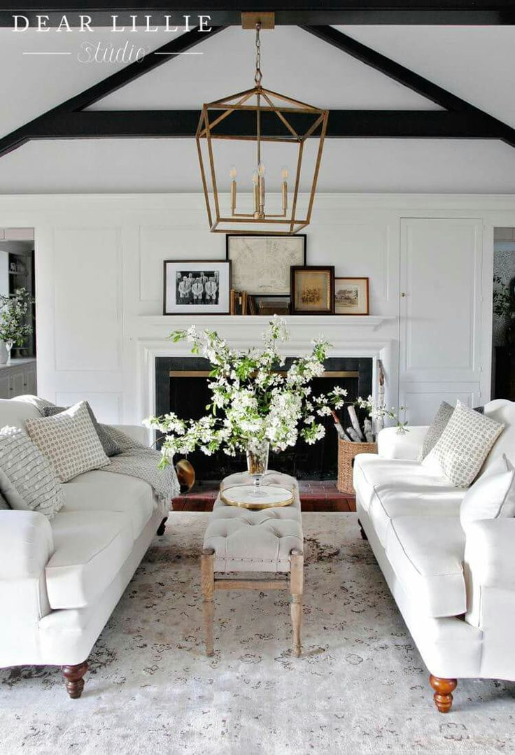 10 Stunning Traditional Living Room Style