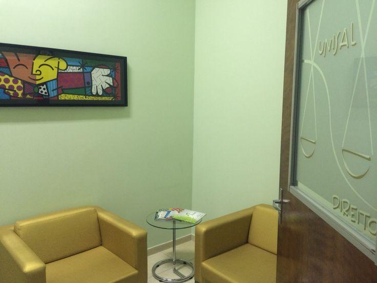 Recepção da entrada da sala da diretora do Direito do Unisal em Campinas
