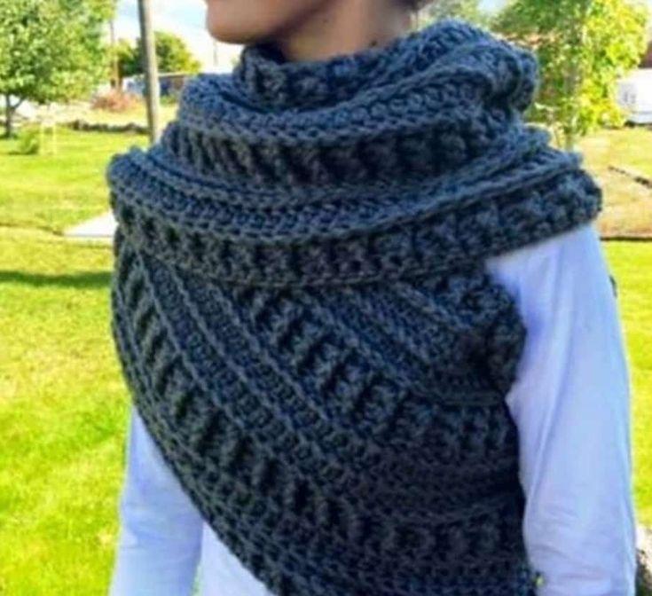Best 25 Crochet Cowls Ideas On Pinterest Bernat Softee