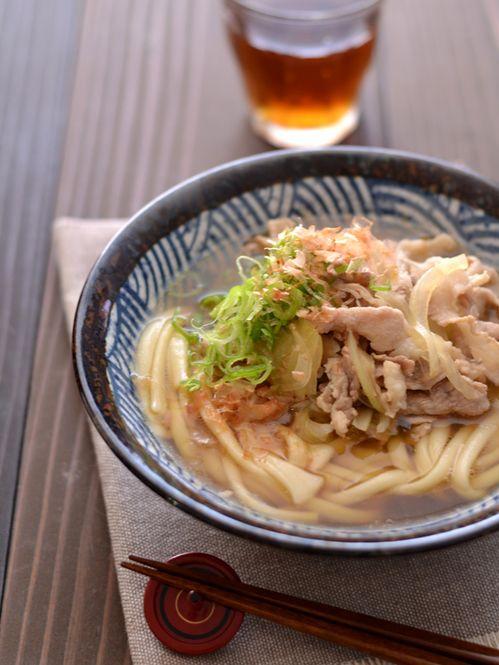 10分あれば男性の心と胃袋は掴める♡ 「うどん」を使った夜食レシピ10選 - LOCARI(ロカリ)