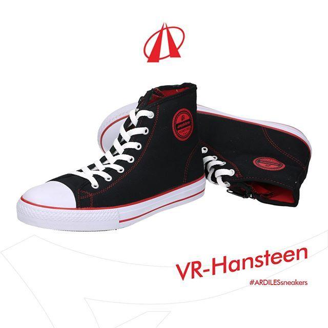 Sneakers Hansteen mempertahankan desain simpel-jadul karena itulah yang membuat sneakers jadi mendunia. Ardiles Sneakers menyematkan material lateks organik agar alas kaki ini tidak sekedar klasik, tapi juga kuat dan bandel. Dapatkan segera di toko sepatu terdekat! www.ardilesmetro.com  #ardiles #ardilessneakers #sneakers #indonesia #madeinIndonesia #NaturalRubber #doodle #fashion #pictoftheday #ootd #casual #keren #kekinian #livefolkindonesia #traveling #jalan2man #indie #jakarta #bekasi…