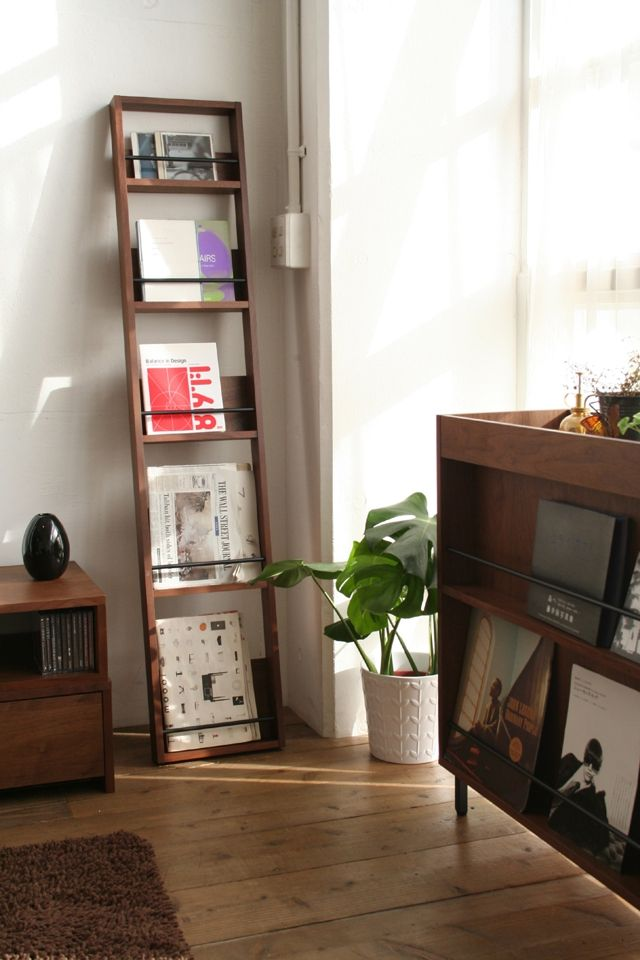 Magazine Display, Magazine Racks, Display Ideas, Small Houses, Office  Ideas, Office Reception, Reception Areas, Kids Room, Diy Projects