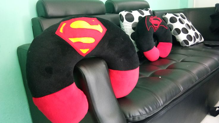 Bantal Leher Superman