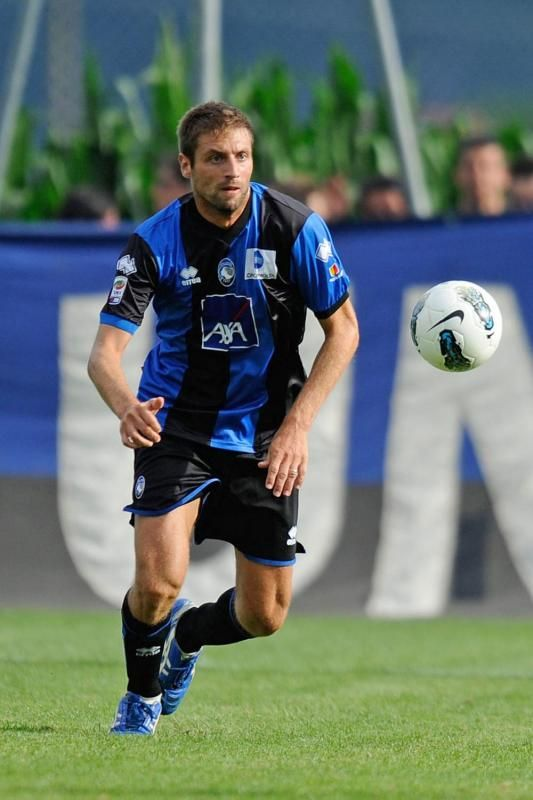 5 5 STEFANO LUCCHINI Date of birth: 02.10.1980 Place of birth: Codogno Age: 33 Height: 1,86 Nationality: Italy Position: Defence - Centre Back Foot: right Market value: 625.000 £ 700.000 € Player's agent: Promosport s.r.l.