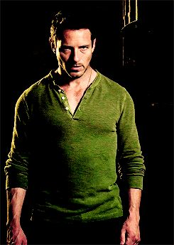 Peter Hale - one of those characters you never thought you'd root for & love so when you see him don't picture making out with his abbs